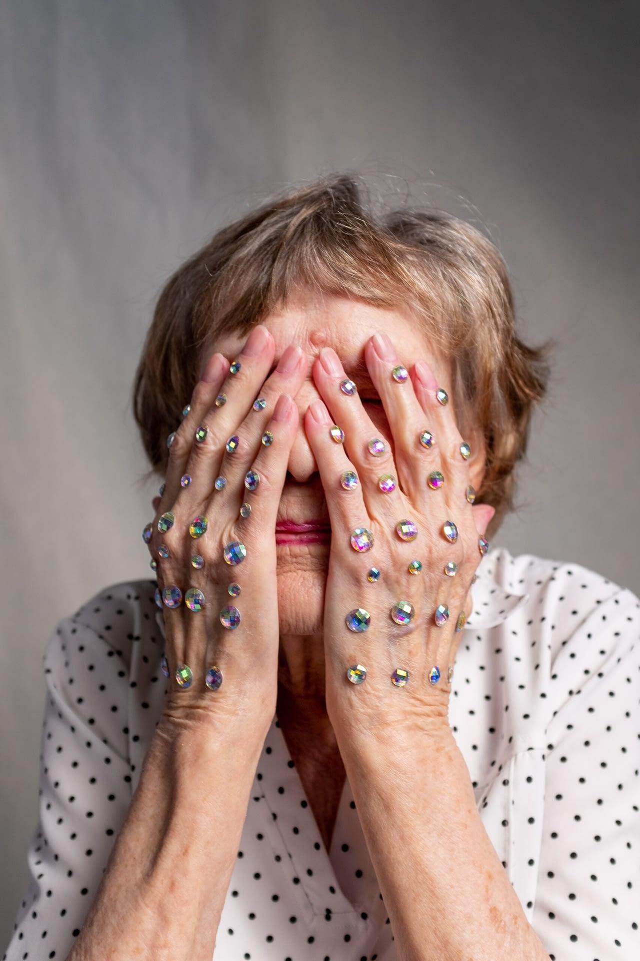 Ansiktsgympa med resultat - Urforma nu. Foto av cottonbro från Pexels
